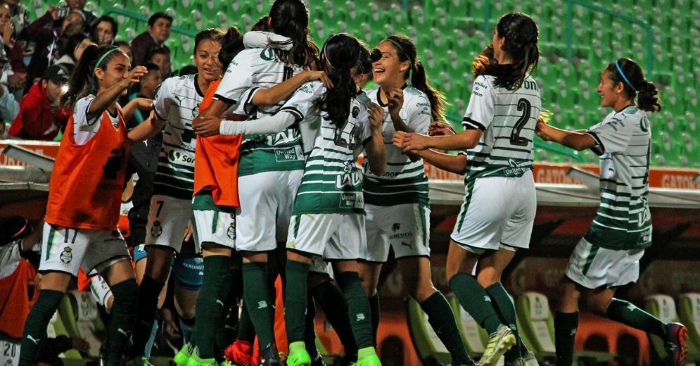 Contundente triunfo de Santos Laguna Femenil sobre Querétaro en el Corona